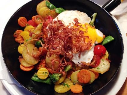 davidniddrie-europe-Tyrol-food