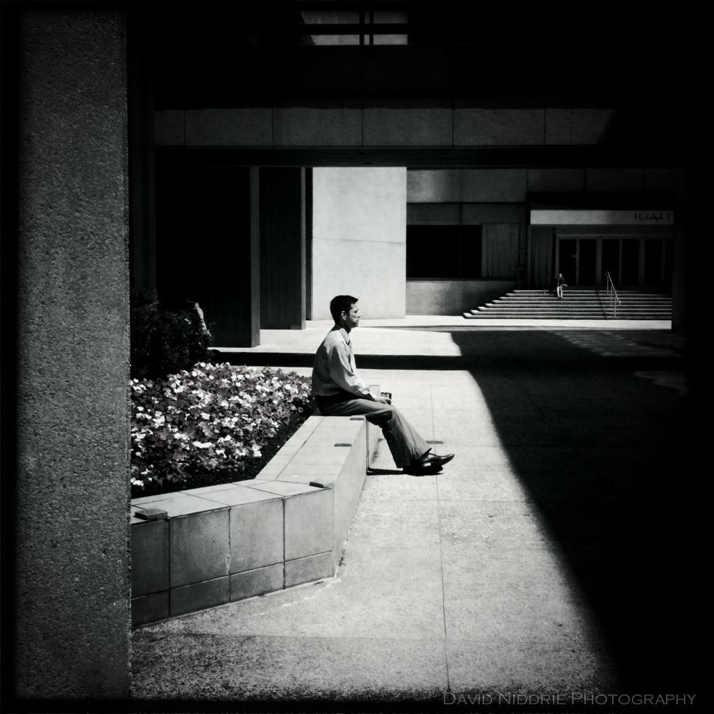 davidniddrie_citysquare-solitaryman-0606